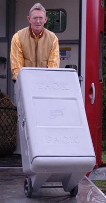 Mobile sattelboxen die praktische alternative mit pferden reisen pferdeanh nger - Praktische mobel ...