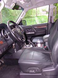 Mitsubishi_Pajero_Fahrersitz