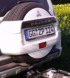 Mitsubishi_Pajero_reserverad