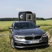 Pferdeanhänger-Zugfahrzeugest-BMW-530-66-180x180