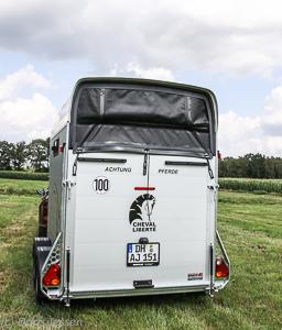 Pferdeanhaenger-Cheval-Liberte-Gold-3-web-15-von-35