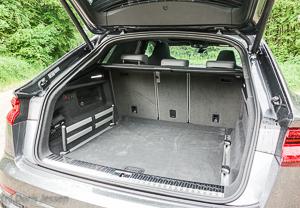 Pferdeanhaenger-Zugfahrtest-Audi-Q-8-w-13-von-54