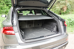 Pferdeanhaenger-Zugfahrtest-Audi-Q-8-w-15-von-54