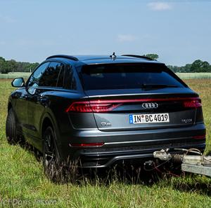 Pferdeanhaenger-Zugfahrtest-Audi-Q-8-w-29-von-54