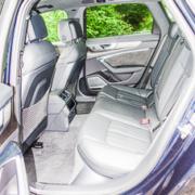Pferdeanhänger-Zugfahrzeug-Audi-A-6-Avant-25-180x180