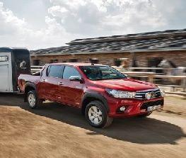 Toyota-Hilux-Firmenauto-des-Jahres