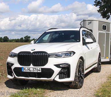 Pferdeanhänger-Zugfahrzeugtest-BMW-X-7_P-11