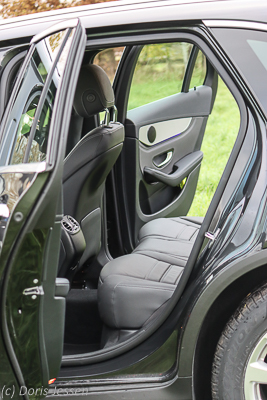 Pferdeanhaenger-Zugfahrzeugtest-Mercedes-GLC_2_w-6