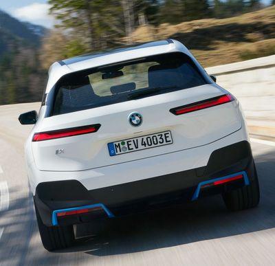 BMW-iX-Heck