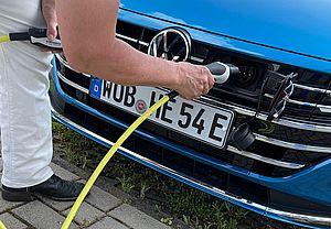 VW-Arteon-Shooting-Brake-eHybrid_W-Aufladen